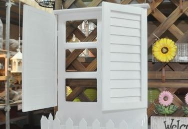 假窗木製花架