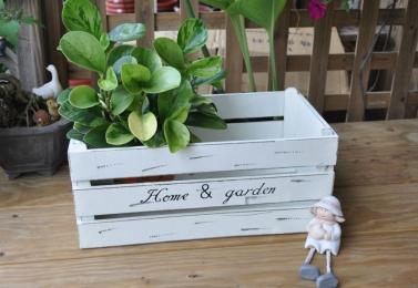 白色木長盒